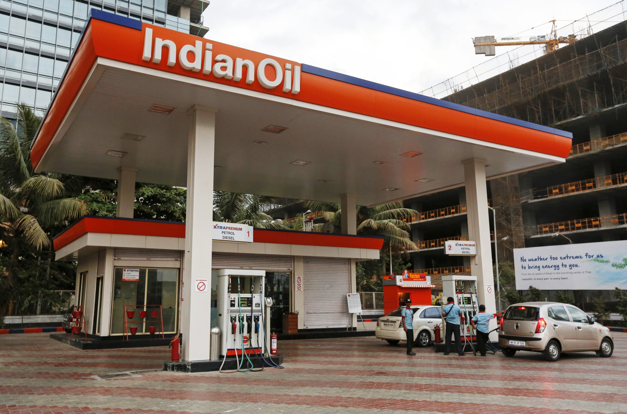 indian oil sets up india u2019s first electric vehicle charging