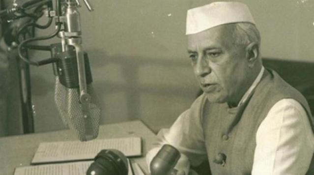 Nehru's Decline : Philosopher Turned Technician