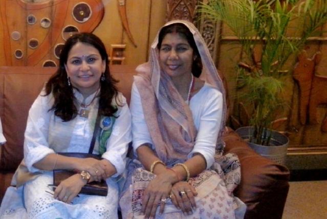 Padmashri Santosh Yadav (Right)