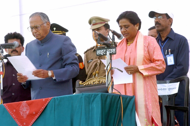 Mayawati taking oath as Chief Minister in 2007 (STRDEL/AFP/Getty Images)