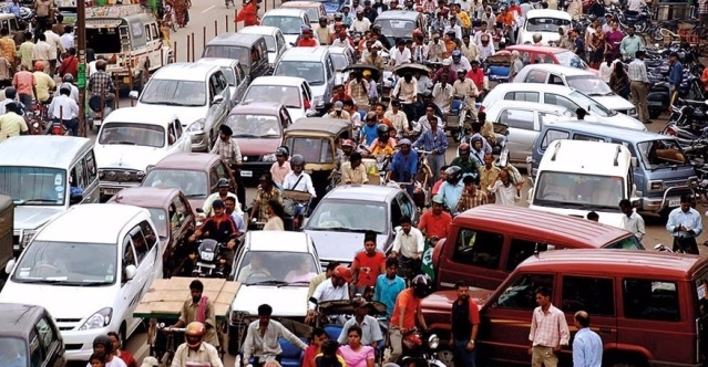 Bengaluru Shows The Way In How NOT To Manage Vehicle And Pedestrian Traffic