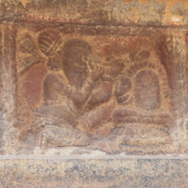 Same scene depicted in Tarasuram bas-relief: Here the hand emanates from Linga stopping Kannappa.