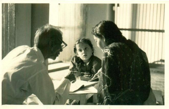 Kavita Parhan with Kalyanji Prasad Sharma. (Picture: Devissaro)