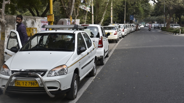 NITI Aayog's Proposal For Private Vehicles As Taxis Finds Opposition From Transport Ministry