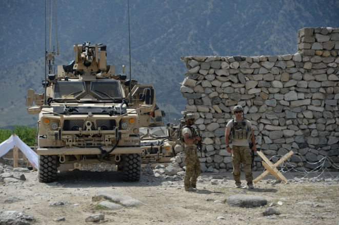 US soldiers patrol near the site of a  US bombing during an operation against Islamic State (IS) militants in  the Achin district of Afghanistan's Nangarhar province. (NOORULLAH SHIRZADA/AFP/Getty Images)