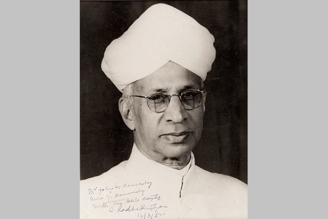 A black-and-white portrait photograph of the Dr Sarvepalli Radhakrishnan, inscribed to President John F Kennedy.