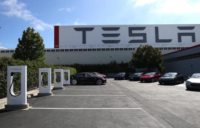 Eyeing China's Booming EV Market, Tesla To Set Up A Factory In Shanghai