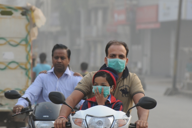 Two-wheelers add to the pollution levels of a city (Parveen Kumar/Hindustan Times via Getty Images)