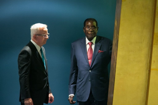 Zimbabwe's President Robert Gabriel Mugabe arrives to address the UN General Assembly at the United Nations on 21 September 2017 in New York. (Kevin Hagen/Getty Images)