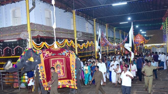 Yashaswini leading the temple rituals during the annual Shashti Mahotsav