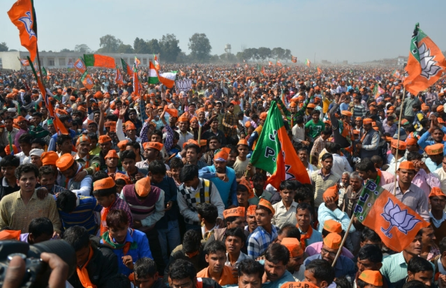 BJP supporters at an election campaign rally. (Manoj Yadav/Hindustan Times via Getty Images)