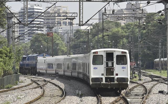 India's Busiest Rail Corridors, Delhi-Mumbai And Delhi-Kolkata To Be Upgraded In Railways' Rs 18,000 Crore Plan