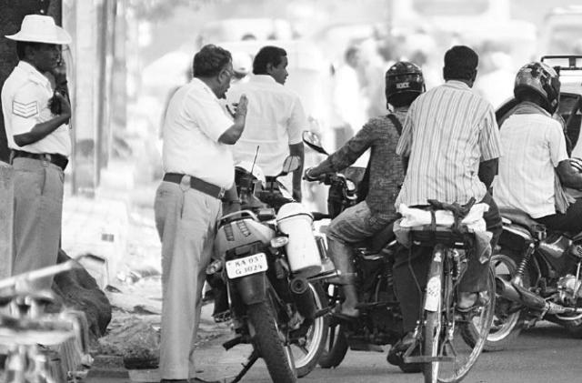 Bengaluru Traffic Police Begins Hunt For Substandard Helmets