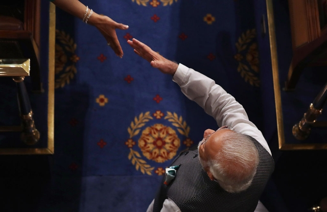 How Narendra Modi Skips Over Traditional Media To Get His Message Out