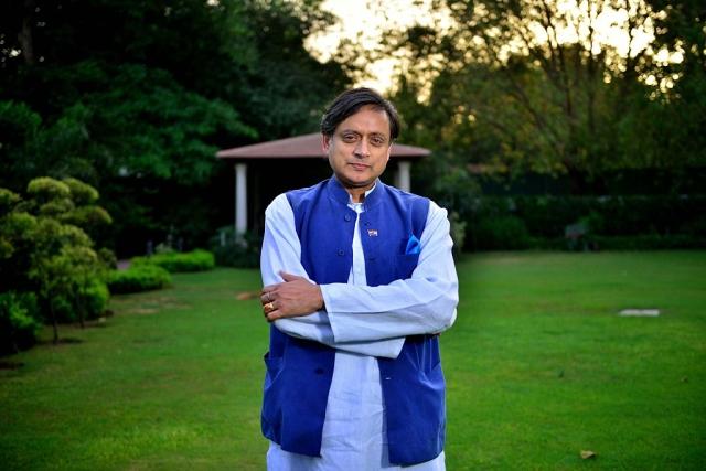 Shashi Tharoor's 'Why I Am A Hindu' Is Driven By A Degree Of Schizophrenia On Hinduism