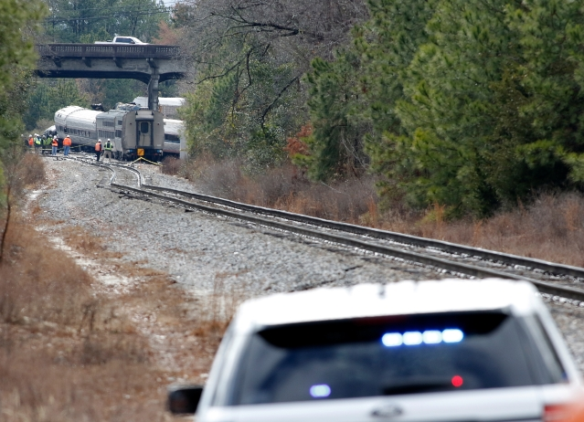 Amtrak Train Collides With Freight Train, Says Signalling Is Controlled By Freight Network
